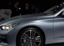 英菲尼迪Q50混合动力车配备了V6发动机