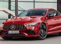 梅赛德斯-奔驰的GT 4门Coupe车型现在有一个新成员