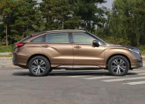 梅赛德斯奔驰GLB发现新款坚固耐用的小型SUV