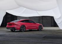 新车资讯:2020 Audi RS7 Sportback将600hp V8引入诱人的四门轿跑车