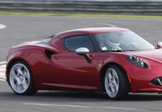 新车资讯:阿尔法·罗密欧轴心4C跑车专注于SUV