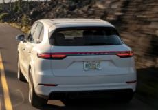 新车资讯:保时捷周一在其Cayenne家族中推出了一款新的顶级车型 功率为670马力