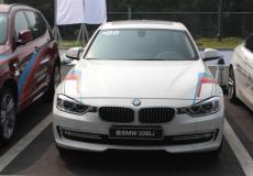 新车资讯:顶级齿轮拖动赛车BMW M5 Vs 774马力调谐M5