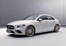 新车资讯:梅赛德斯展示了全新的GLC Coupe机器