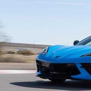新车资讯:Corvette C8 E-Ray 混合动力车在美国亮相